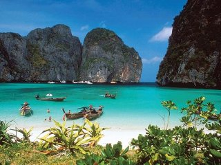 Phi Phi Islands Tour By Cruise Boat