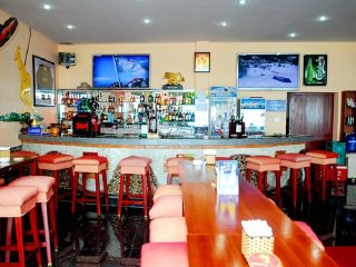 Lucy's Sports Bar © Lucy's Sports Bar & Hotel