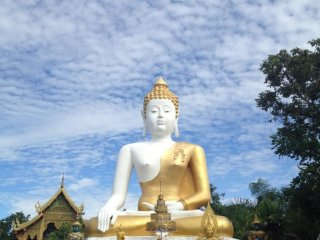 Wat Phra That Doi Kham © Lajcha Suvanish