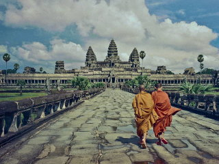 Angkor Small Circuit + Banteay Srei Temples Day Tour
