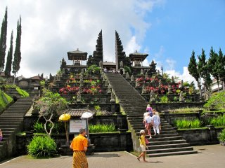 Besakih Temple and East Bali in 1 Day © Lily