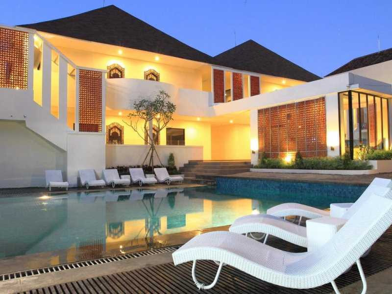 Cheap hotels in kuta bali with swimming pool Budget hotels in pondicherry with swimming pool