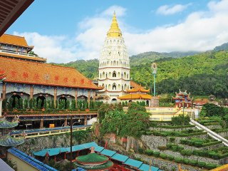 Penang Hill And Temple Tour © malaysiasightseeingtours