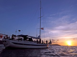 Sunset Cocktail / Dinner Cruise (Sharing of Vehicle and Yacht Tour)