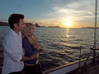 Sunset Cocktail / Dinner Cruise (Sharing of Vehicle and Yacht Tour) © malaysiasightseeingtours