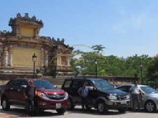Danang to Hue by private taxi © nhi@huelocals.com