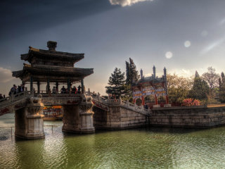 Summer Palace © Ronald Woan