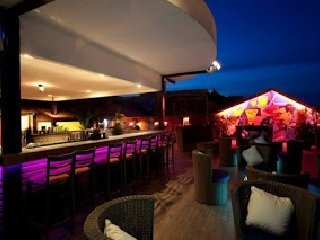 Le Moon terrace Bar