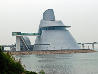 Macao Science Center © Harvey Barrison