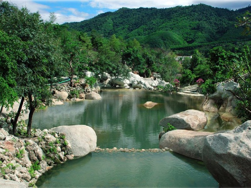 Nui Than Tai Hot Springs Park In Da Nang Attraction In
