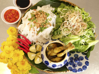 Quang Noodle Style made from frogs - Bep Trang