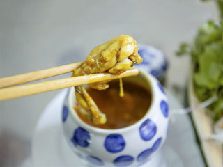 Quang Noodle Style made from frogs - Bep Trang © tourism.danang.vn