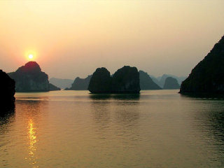 Hanoi Tour Package to Hanoi, Ninh Binh & Halong bay 5 days