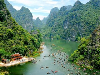DISCOVER THE MAJESTIC HOME OF KONG 2: HA LONG – NINH BINH- QUANG BINH