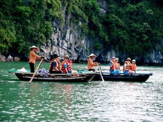 Halong Bay Tour from Hanoi on Glory legend cruise by Vietnameseprivatetours.com