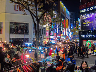 Myeong-dong © Tyler Nguyen