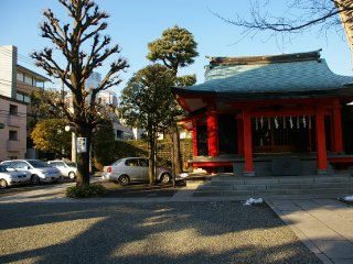 Azabu Hikawa Shrine