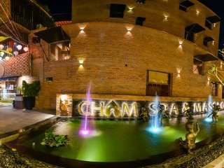 Cham Spa and Massage