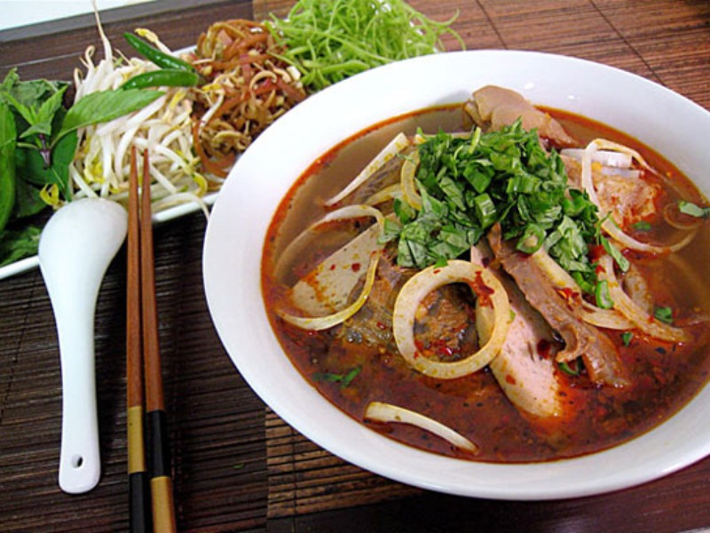 Famous Hue Food To Eat Before You Leave